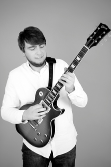 Oliver Day - Guitarist, Session Musician, Teacher.