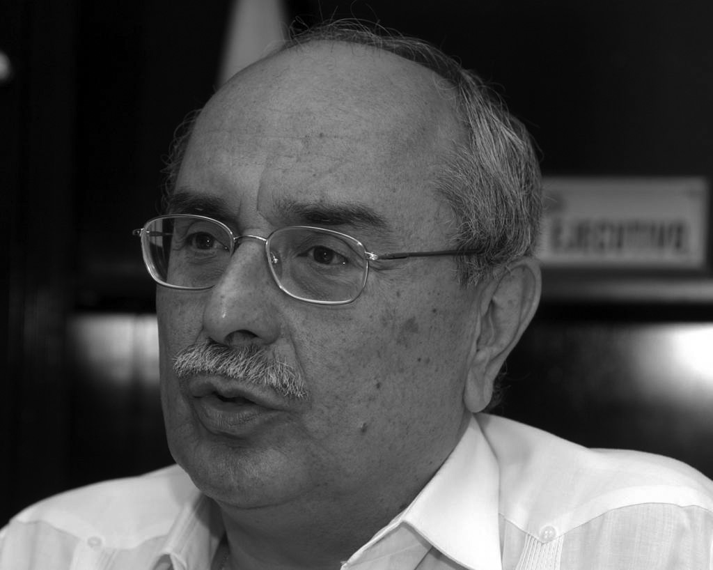 Dr. Roberto Polit Robinson.jpg