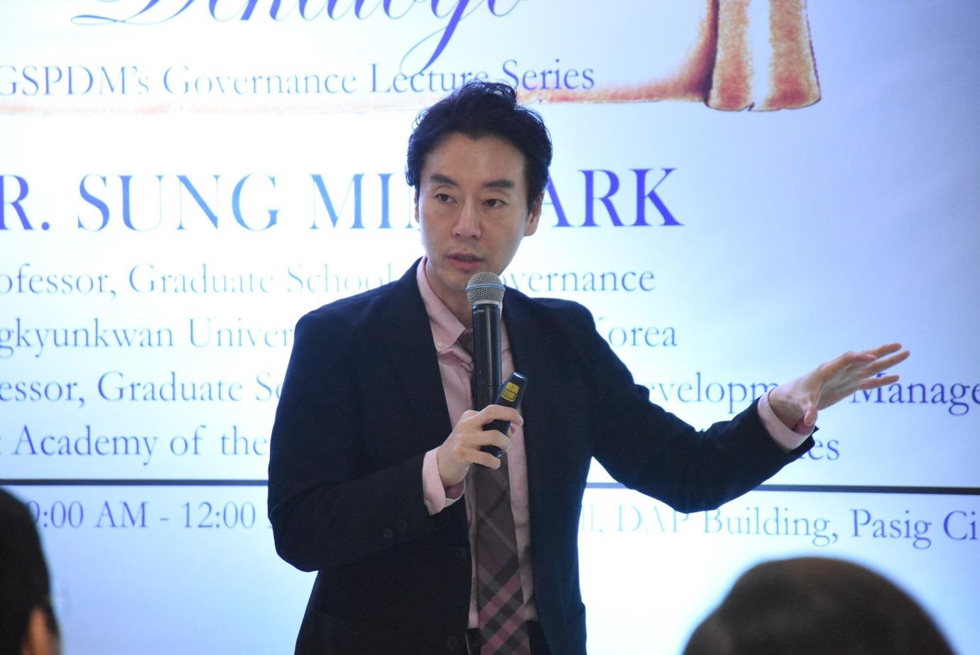 Dr. Sung Min Park