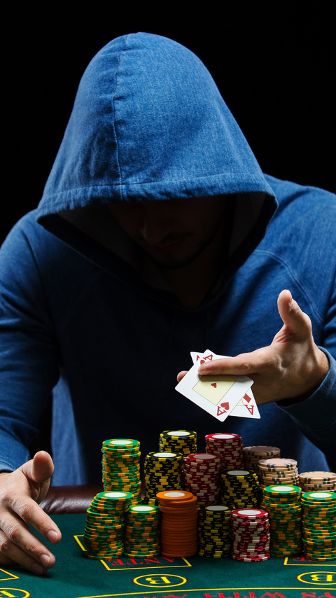 poker-player-5k-cz-480x854.jpg