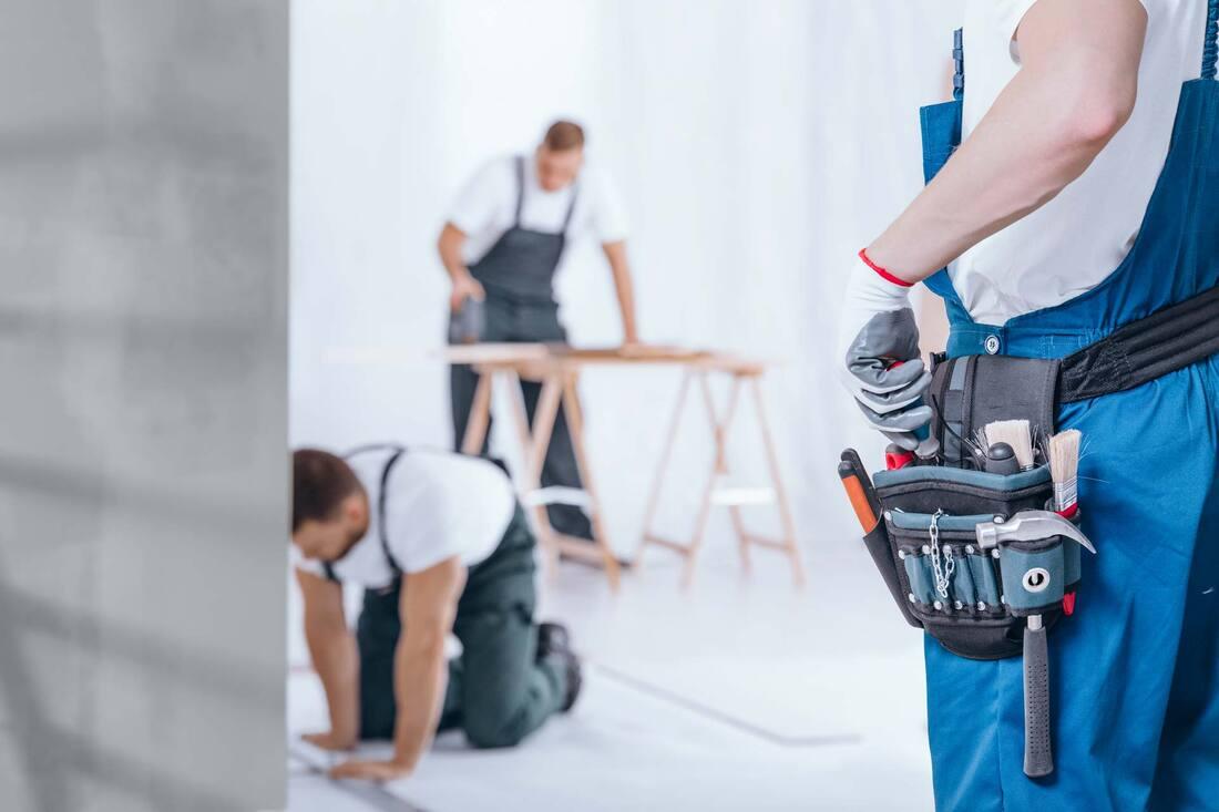 handyman-with-tool-belt-pyxvecn_orig.jpg