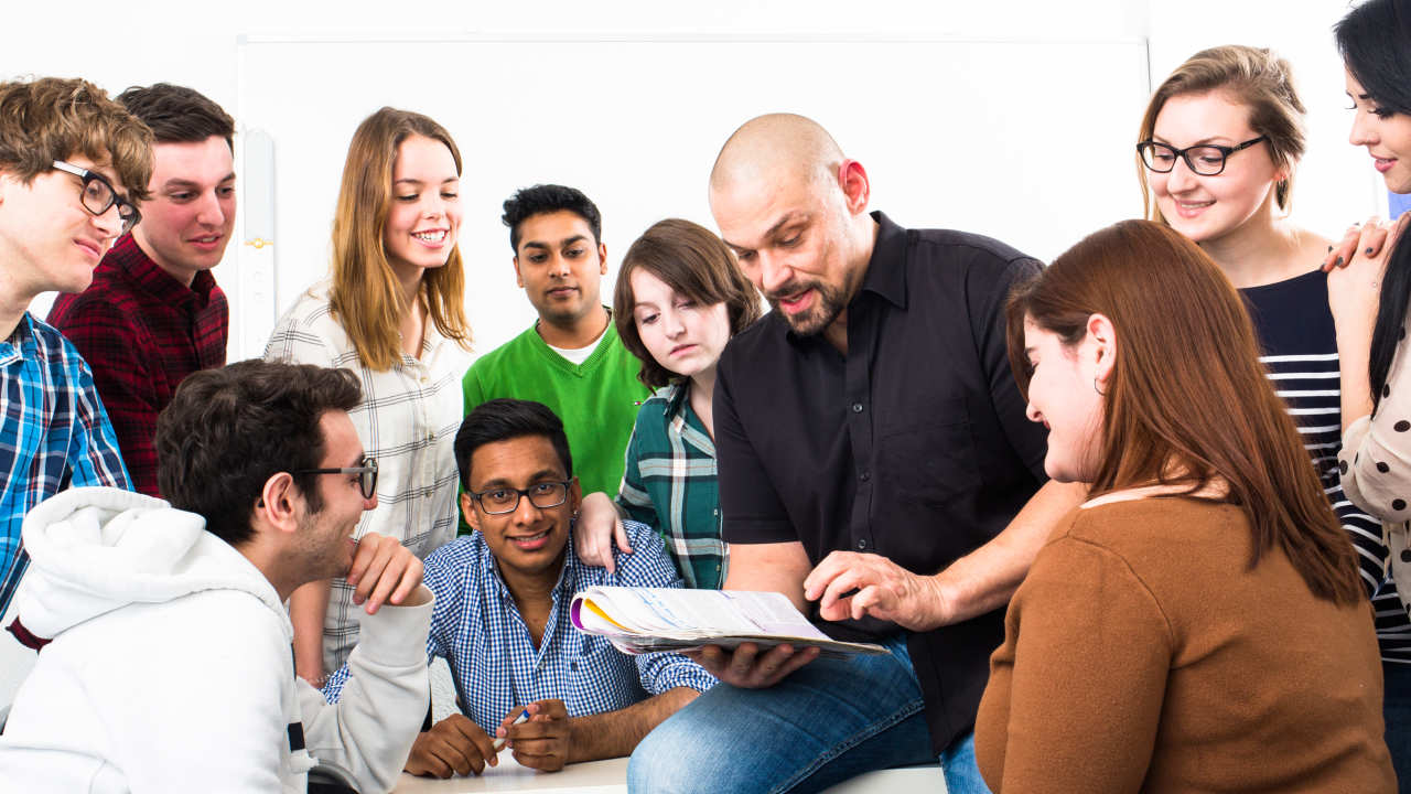 Students in French class with teacher