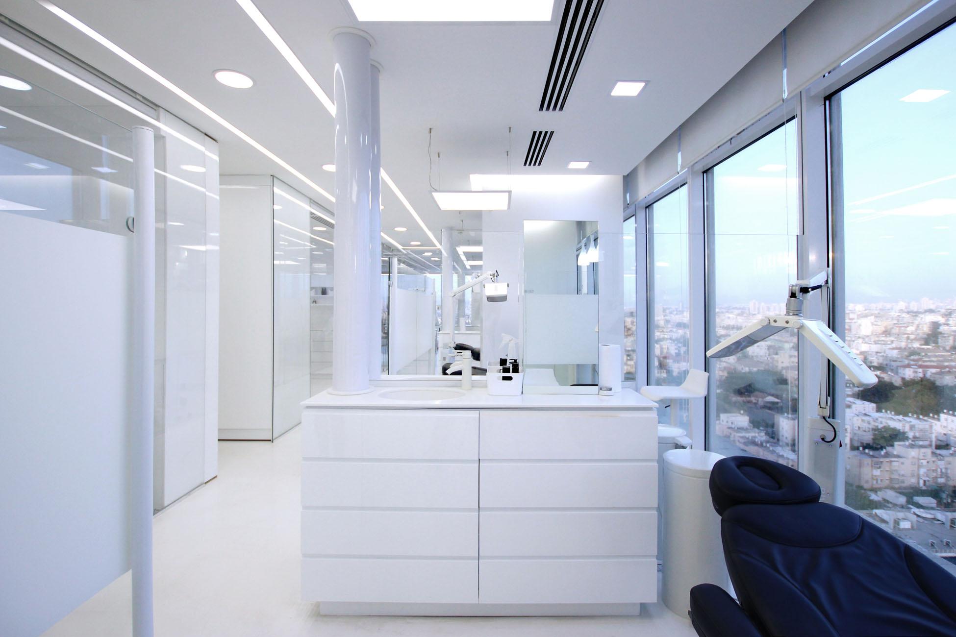 11_Raz Lab.jpg