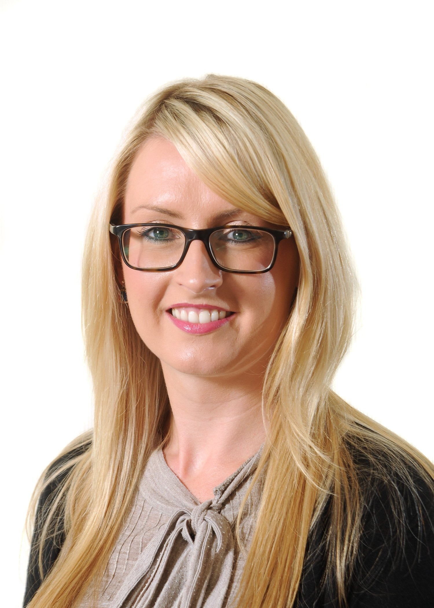 Leading law firm Miller Hendry promotes Leann Brown to role of Associate in the Dundee office's Private Client Department