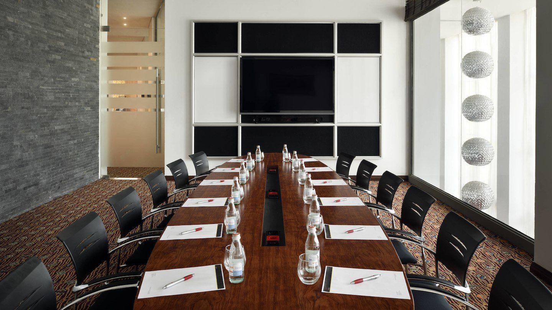 accmc-boardroom-0036-hor-wide.jpg