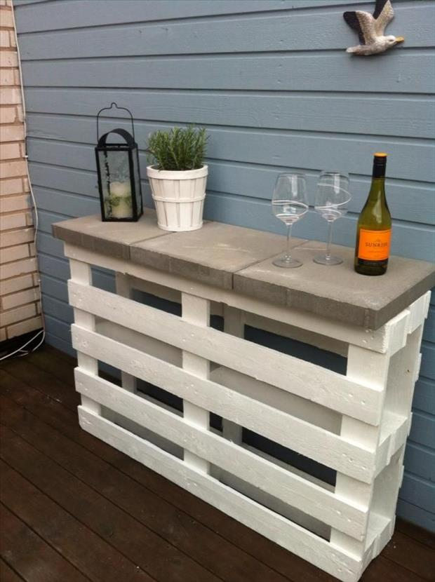15 Creative Uses For Wood Pallets - Simplemost