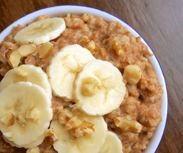 Slow-Cooker-Banana-Nut-Oatmeal-The-Lemon-Bowl