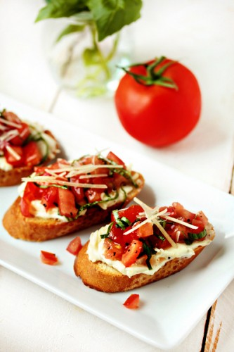 Garlic-Tomato-Bruschetta-1-of-1