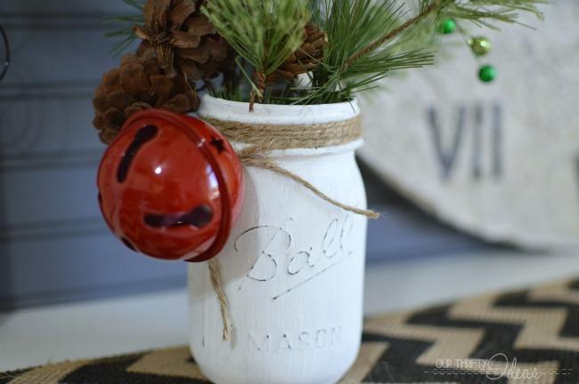 Holiday-Decor-From-Mason-Jar