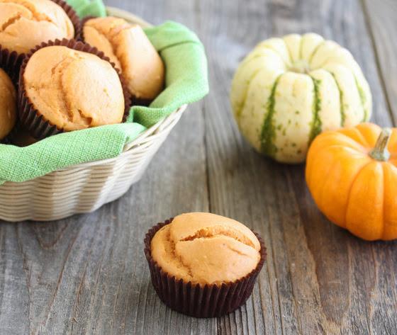 4-ingredient-pumpkin muffins-15