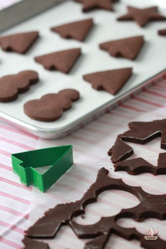 Recipe-for-Chocolate-Sugar-Cookies-by-Sweetopia-590x885
