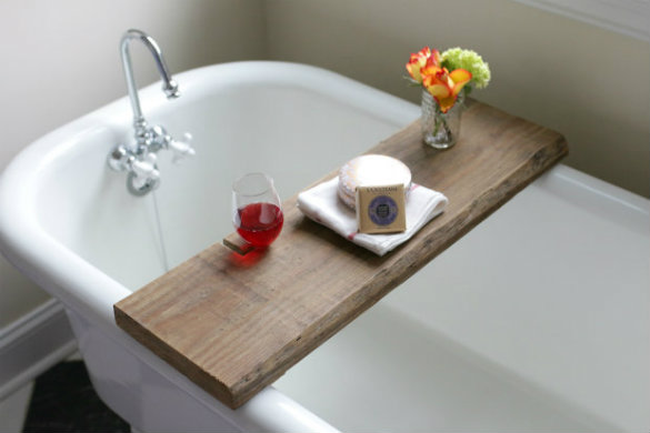 Reclaimed_Wood_Bath_Caddy