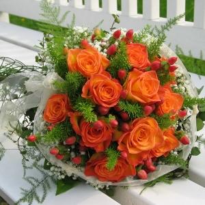 Beautiful 50 Rose Wedding Pack