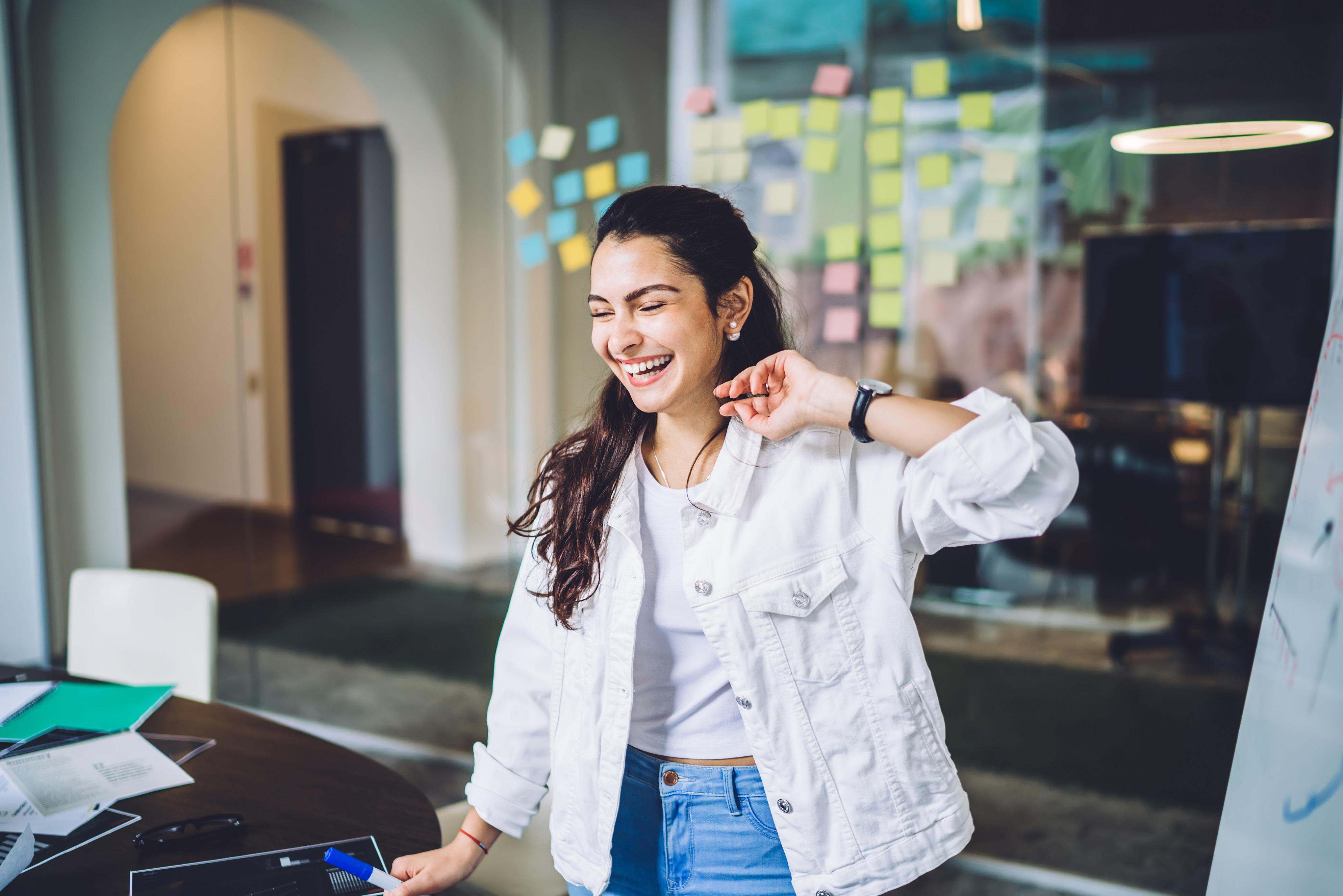 Funcionários millennials: saiba como os benefícios corporativos ajudam a retê-los