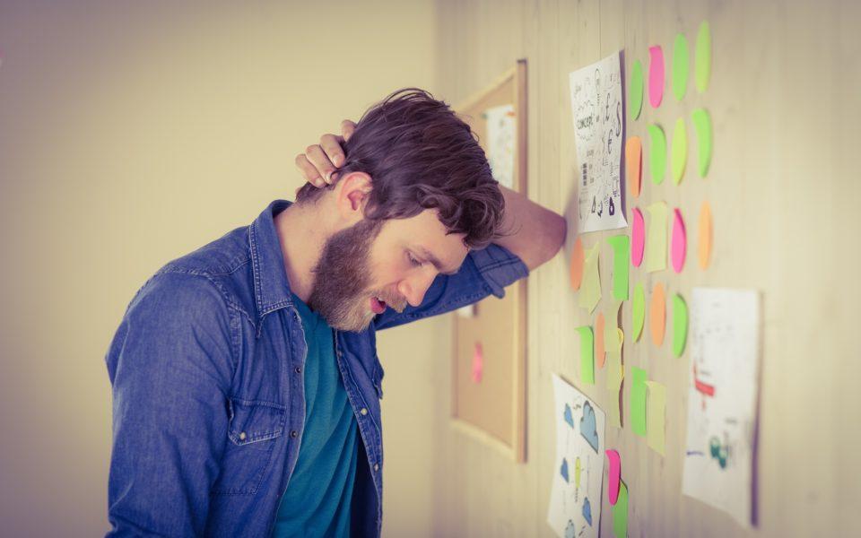 Estresse excessivo aumenta custos de empresas com a saúde dos funcionários