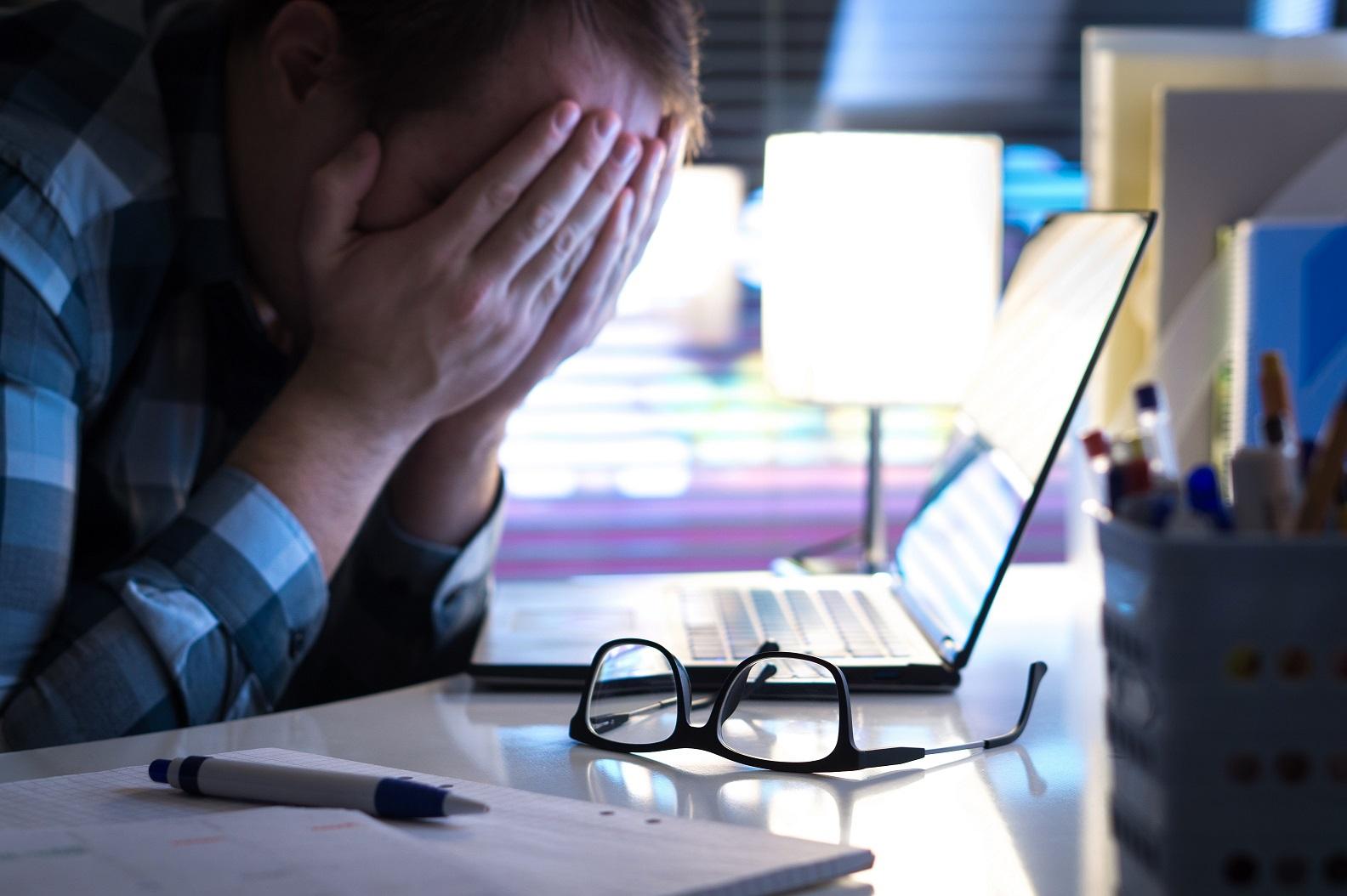 Pandemia acende sinal de alerta para casos de Burnout; saiba o porquê