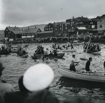 Row boat, seaside town, Row boat black and white, Men in row boats, Crowd by water, Boat race,