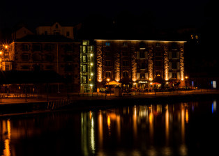 night, lake, water, reflection, building, buildings, architecture, street,