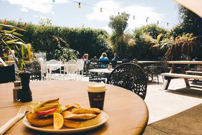cafe, restaurant, light bulbs, decorative, exterior, tables, people, food, drink, sky, tables, climbing plants