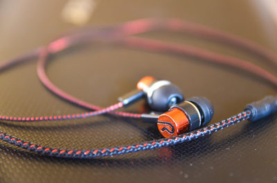 earbuds, earphones, music, sound, technology, bokeh, audio