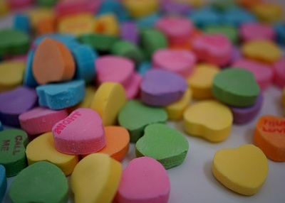candy, candies, sweets, hearts, bokeh, colorful, pink, green, blue, yellow