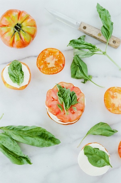 tomato, tomatoes, fresh, vegetables, food, kitchen, healthy, basil, vegan, knife