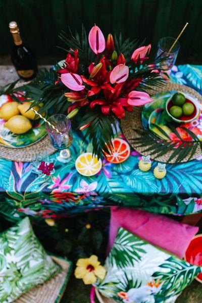 outdoor, table, garden, flowers, decor, tropical, exotic, glass, lemon, fruit, bottle