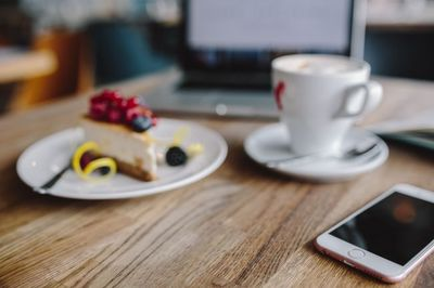 cafe, coffee, cup, iphone, laptop, dessert, cake, drink, notebook
