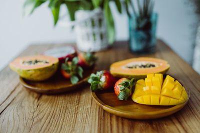 table, food, fruit, healthy, strawberries, vegan, vase, bokeh