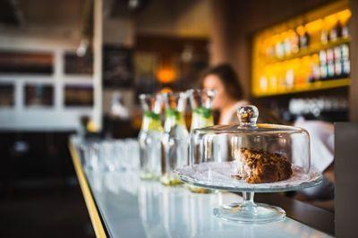 restaurant, cake, dessert, sweet, tasty, bokeh, interior, bar