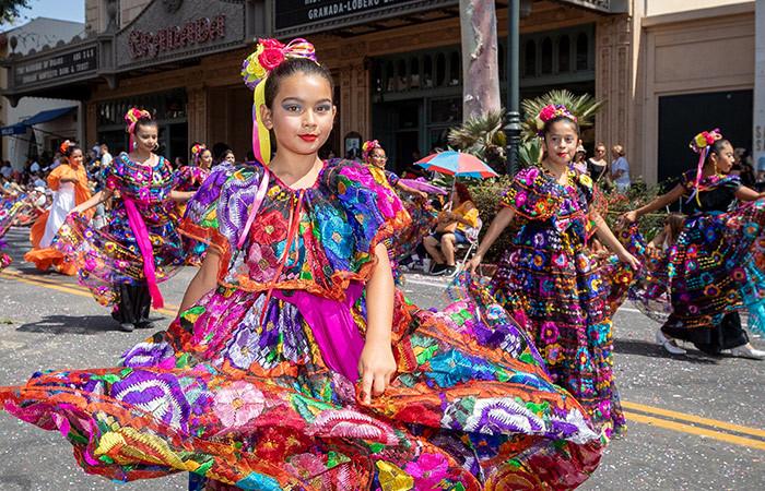 Annual El Desfile De Los Niños