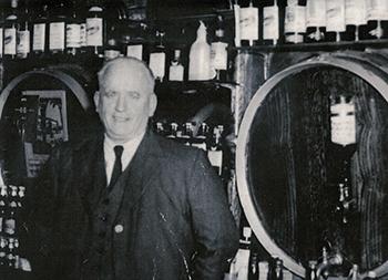 Dargans Irish Pub Restaurant Lawrence Dargan