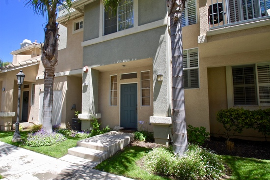 Sycamore Village spacious townhome