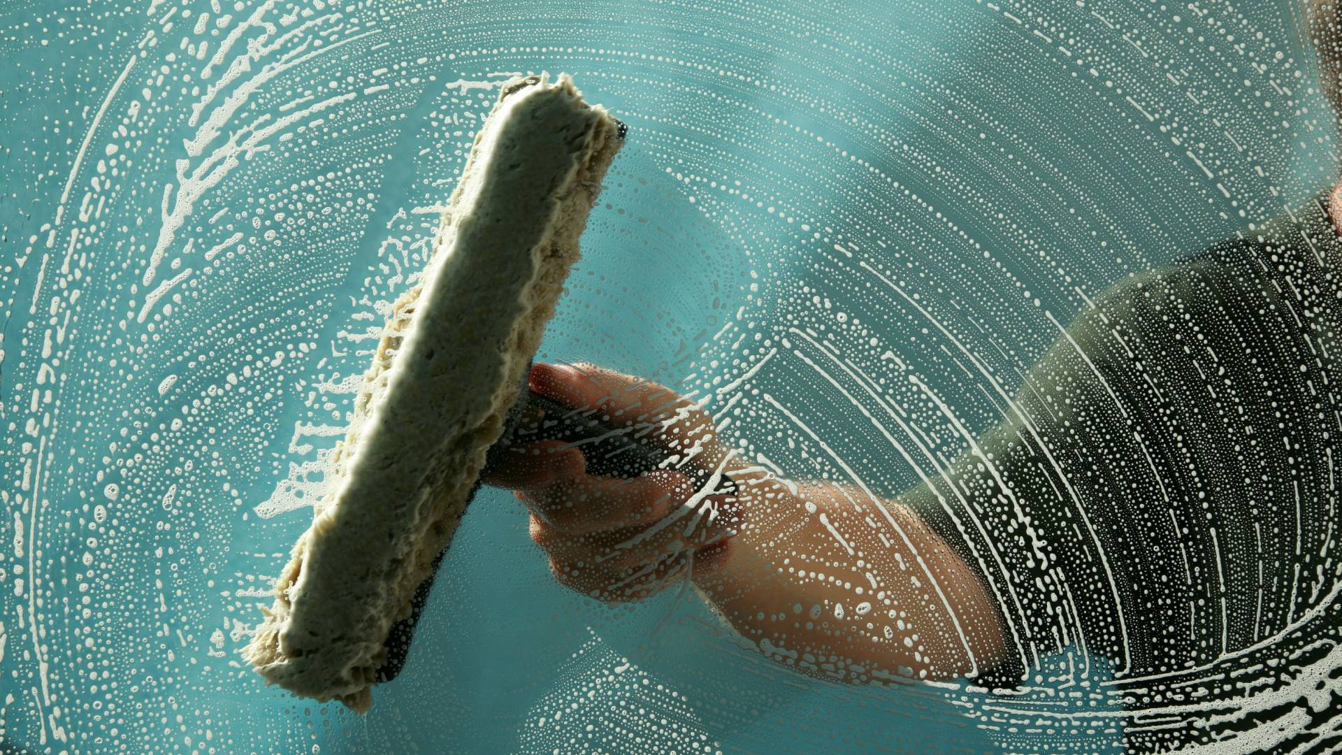 Residential & Commercial<br />Window Cleaning