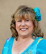 Stephanie Petlow<br /><em>La Presidenta Pasada</em>