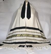 Guitar playing cantor's tallit