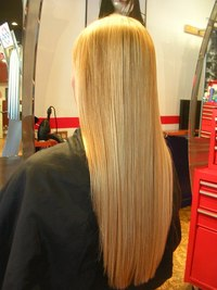 Beautiful_long_blonde_hair_1_