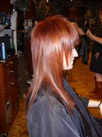 Layered_red_hairstyle_1_