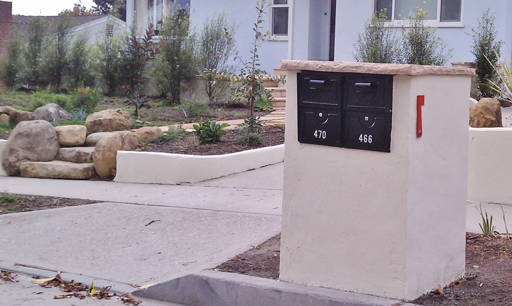 Concrete Block Stucco Mailbox with Flagstone Cap Stone Stairs