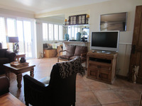 Califonia-beach-front-condo-208_02