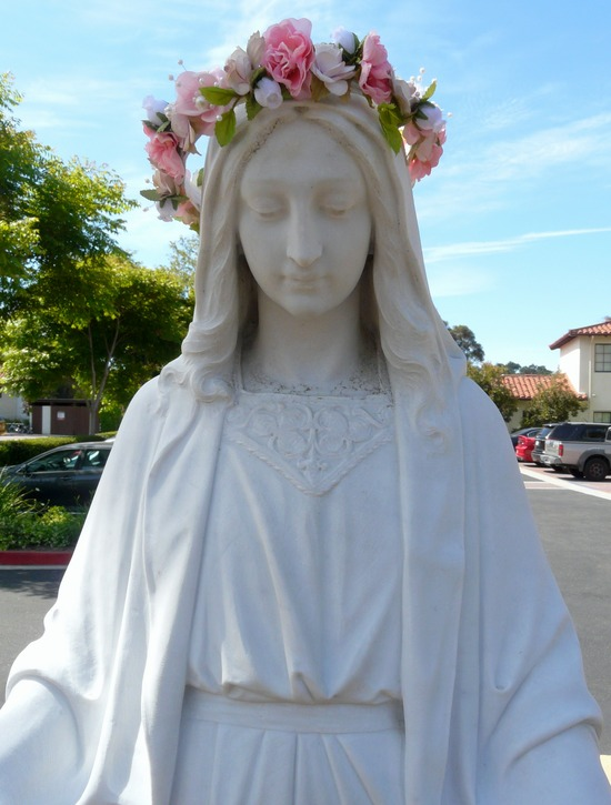 May Crowning of the Blessed Mother Statue at St. Vincent's