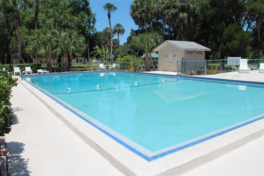 Pool Amenities