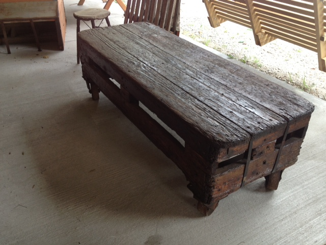 Merveilleux Railroad Cart Coffee Table