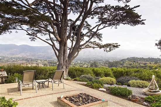 Patio, Firepit and Gorgeous Views