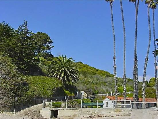 Hope Ranch Entrance to Private Beach & Bathhouse