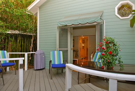 Beach Bunny Cottage - 5-Star Vacation Rental in Santa Barbara, CA-5