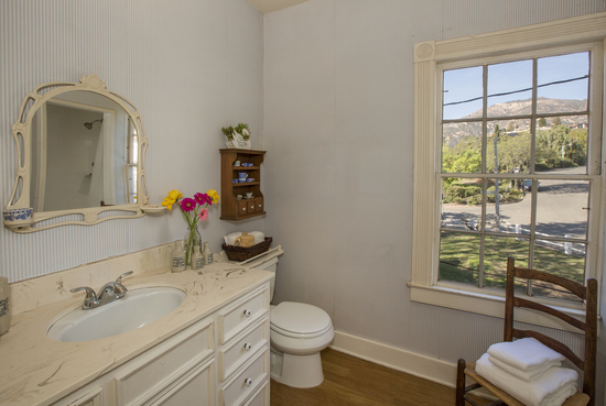1189 No Ontare Rd Santa Barbara Calif- UPSTAIRS BATHROOM