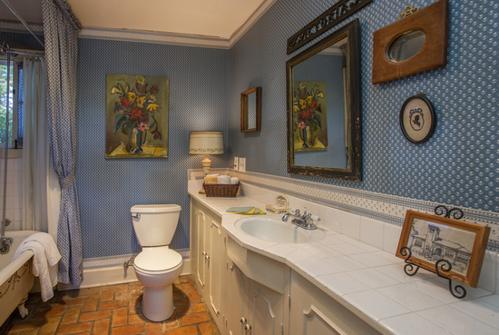 1189 No Ontare Rd Santa Barbara Calif-DOWNSTAIRS BATHROOM