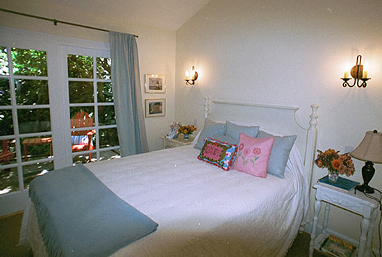 Eucalyptus Cottage Guest Room