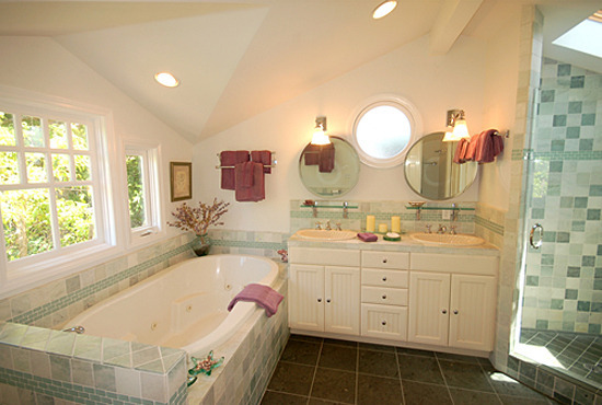 Captain's Cottage Master Bath